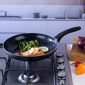Beldray BW07060GP Two Ceramic Frying Pans, 20/28 cm, Black Thumbnail 6