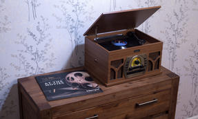 Intempo COMBO-2291  Vintage Record Player Turntable Media Unit with BBC Orchestra Vinyl, Wood Thumbnail 3