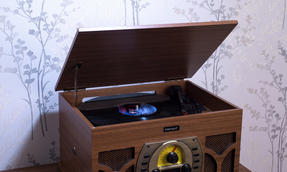 Intempo COMBO-2291  Vintage Record Player Turntable Media Unit with BBC Orchestra Vinyl, Wood Thumbnail 7