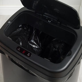 Beldray BW07021GP Square Sensor Bin, 50 Litre, Black Thumbnail 11