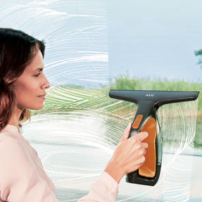 AEG WX760C Rechargeable Window Vacuum Cleaner, Clementine Thumbnail 4