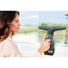 AEG WX790A3 Rechargeable Window Vacuum with Cleaning Cloth and Spray Bottle, Aqua Spray Thumbnail 7