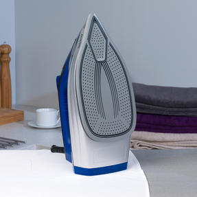Beldray BEL0820 Ultra Ceramic Steam Iron with Dual Soleplate Technology, 3100 W, 300 ml, Blue/Black Thumbnail 9