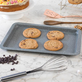 Salter COMBO-3316 Marble Collection Bakeware with  6 Cup Muffin Tray, Baking Tray, Spring Form Pan, Round Tray and Loaf Pan Thumbnail 4