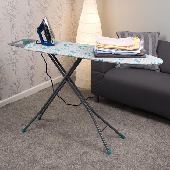 Beldray Max Steam Pro 3000 W Iron with Retro Floral Print Ironing Board Thumbnail 2