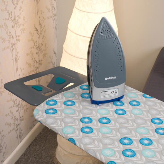 Beldray Max Steam Pro 3000 W Iron with Retro Floral Print Ironing Board Thumbnail 4