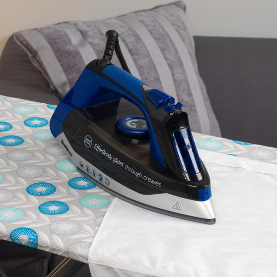 Beldray Max Steam Pro 3000 W Iron with Retro Floral Print Ironing Board Thumbnail 5