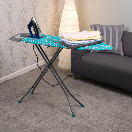 Beldray Max Steam Pro 3000 W Iron with Eve Print Ironing Board Thumbnail 2