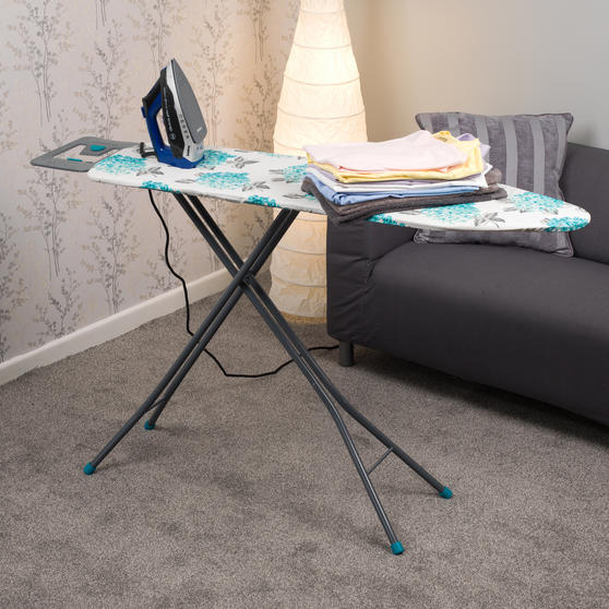 Beldray Max Steam Pro 3000 W Iron with Ami Print Ironing Board Thumbnail 2