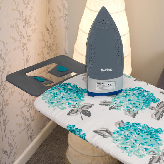 Beldray Max Steam Pro 3000 W Iron with Ami Print Ironing Board Thumbnail 4