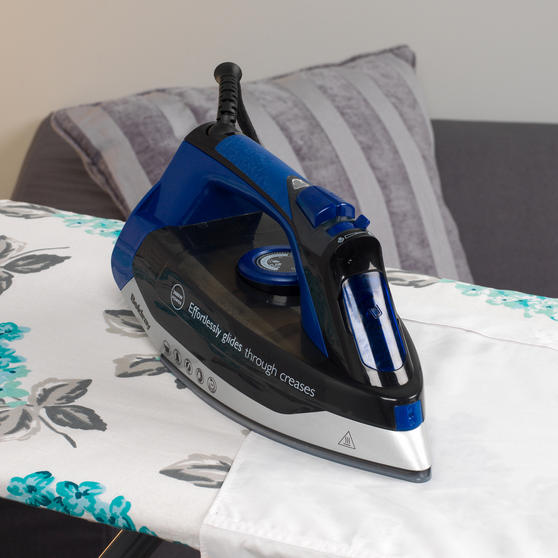 Beldray Max Steam Pro 3000 W Iron with Ami Print Ironing Board Thumbnail 5