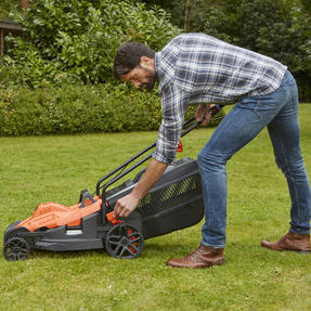 Black + Decker BEMW461ESGB Easy Steer Lawn Mower, 1400 W, Orange, 34cm Thumbnail 9