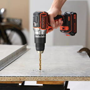 Black + Decker BL188GB Brushless Two Gear Hammer Drill,18V, 400mA charger Thumbnail 5
