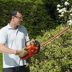 Black + Decker GT5055GB Electric Hedge Trimmer, 500 W Thumbnail 4