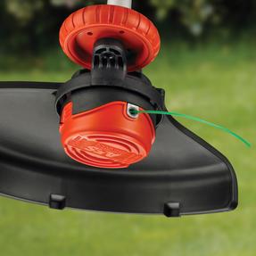Black + Decker GL7033GB Electric Strimmer Grass Trimmer, 700 W, 33 cm Thumbnail 2