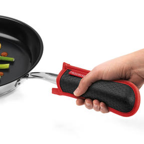 Progress COMBO-2072 Professional Kitchen Set with Oven Gauntlet, Neoprene Pan Handle Sleeve and Apron, Red Thumbnail 3