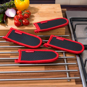 Progress COMBO-3308 Set of 4 Neoprene Pan Handle Sleeve Covers, Red Thumbnail 2