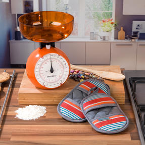 Progress COMBO-3310 Performance New England Baking Oven Micromitts with Orange 5 kg Kitchen Scales Thumbnail 2