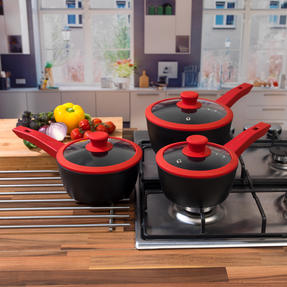 Progress COMBO-3305 3 Piece Forged Saucepan Set with 28 cm Wok, Silicone Oven Gauntlet and Neoprene Pan Handle Sleeve Covers, Red Thumbnail 8