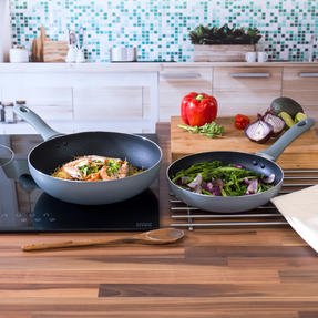 Salter 2-Piece Crystalstone Non-Stick 24 cm Frying Pan and Wok Set - Grey Thumbnail 2