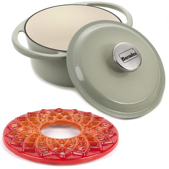 Berndes COMBO-3714 Light Round Casserole Dish with Orange Trivet, Cast Iron, 20 cm