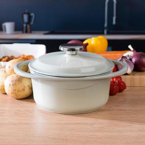Berndes COMBO-3714 Light Round Casserole Dish with Orange Trivet, Cast Iron, 20 cm Thumbnail 7