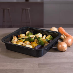 Russell Hobbs COMBO-3517 Vitreous Enamel Self-Basting Roaster and Baking Pan with Bamboo Carving Board Thumbnail 6