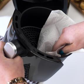 Beldray EK2817BGP Compact Hot Air Fryer, 2 L, 1000 W, Black/Silver Thumbnail 8