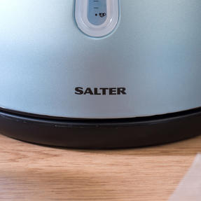 Salter EK3218BLUE Metallics Polaris Dome Kettle, 3000 W, 1.7 Litre, Pearl Blue Edition Thumbnail 9