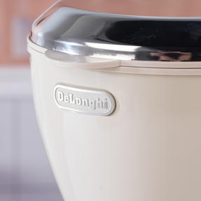 DeLonghi ICMOV210BG Icona Vintage Drip Coffee Machine, 1.25 L, 1000 W, Beige Thumbnail 9
