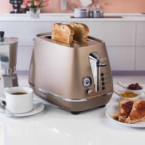 DeLonghi CTI2003BZ Distinta Two-Slice Toaster, 900 W, Stainless Steel, Metallic Bronze Thumbnail 3