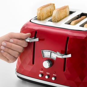 DeLonghi CTJ4003R Brilliante Four-Slice Toaster, 1800 W, Red Thumbnail 4
