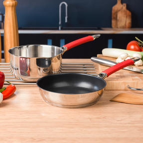 Pyrex COMBO-4090 Passion 2 Litre Saucepan and Non Stick Frying Pan, 18 / 20 CM, Stainless Steel, Red Thumbnail 2