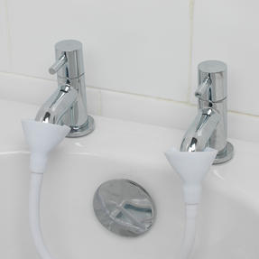 Beldray COMBO-4231 Push-On 150 cm Caravan and Pet Shower Mixer Set with Suction Bathroom Basket Thumbnail 6
