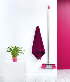 Kleeneze KL062437EU Soft-Bristle Broom, 1.2 m, Stainless Steel, Grey/Pink Thumbnail 3