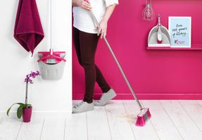 Kleeneze KL062437EU Soft-Bristle Broom, 1.2 m, Stainless Steel, Grey/Pink Thumbnail 5
