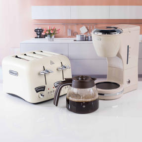 De?Longhi COMBO-4136 Icona Vintage Drip Coffee Machine with Argento Four Slice Toaster, Beige / Cream Thumbnail 11