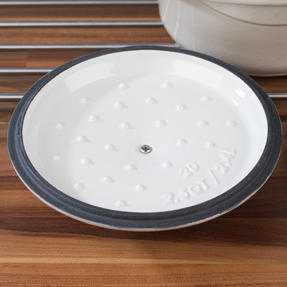Lodge 1407001 Round Cast Iron Casserole Dish with Lid, 2.4 L, 20 cm, Cream Thumbnail 8