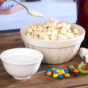 Giles & Posner COMBO-4544 Popcorn Maker and Chocolate Fountain Party Gadget Set Thumbnail 9