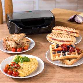 Salter XL 4-in-1 Snack Maker with Waffle, Panini, Toastie And Omelette Plates, 900 W  Thumbnail 10