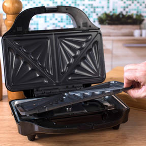 Salter XL 4-in-1 Snack Maker with Waffle, Panini, Toastie And Omelette Plates, 900 W  Thumbnail 9