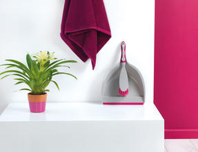 Kleeneze KL062390EU Deluxe Space Saving Dustpan and Brush Set, Grey/Pink Thumbnail 4