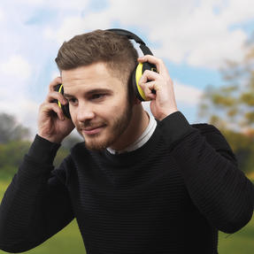 Intempo EE1178SBLKYELSTKEU Active Wireless Bluetooth Foldable Headphones, Black/Yellow Thumbnail 9