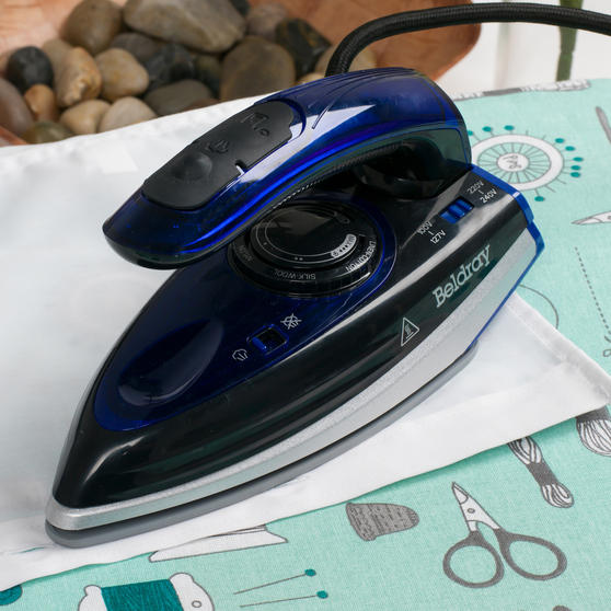 Beldray Space Saving Compact Travel Iron with Dual Voltage, 1000 W Thumbnail 8