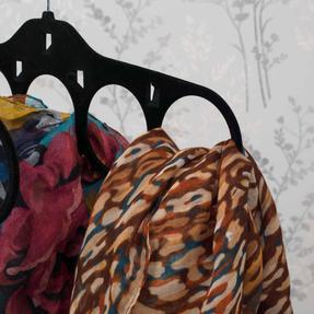 Beldray LA063816BLKEU Pack of Two Velvet Scarf Hanger, Black Thumbnail 4