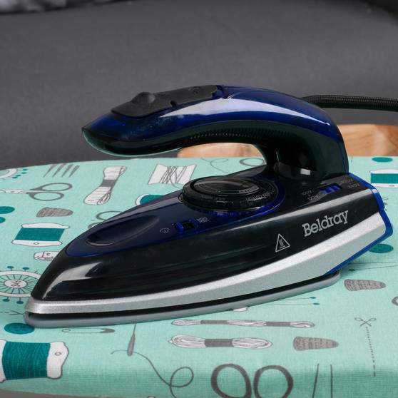 Beldray COMBO-4389 Dual Voltage Travel Iron with Table Top Ironing Board Set Thumbnail 5