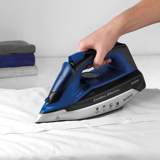 Beldray 2 in 1 Cordless Steam Iron, 300 ml, 2600 W, Blue Thumbnail 2