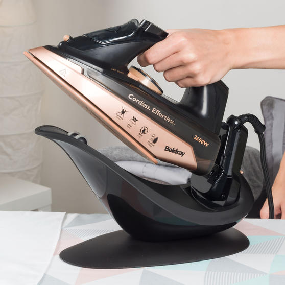 Beldray BEL0747NRG 2 in 1 Cordless Steam Iron, 300 ml, 2600 W, Rose Gold Main Image 7