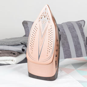 Beldray BEL0747NRG 2 in 1 Cordless Steam Iron, 300 ml, 2600 W, Rose Gold Thumbnail 2