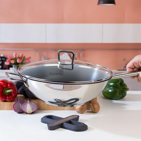 Vivo by Villeroy & Boch COMBO-5300 Non-Stick Wok with Silicone Trivet and Pot Holders, 30 cm Thumbnail 5